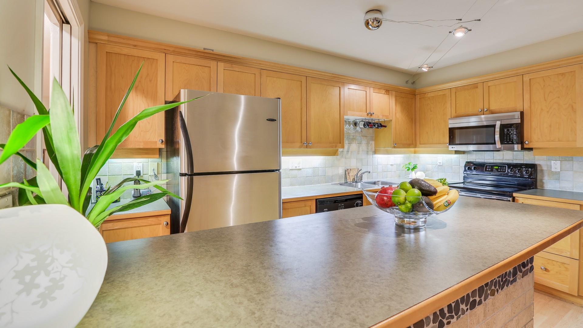 241 Kitchen-FS Kitchen