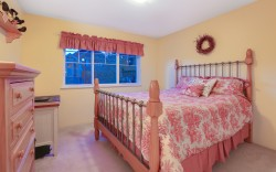 54 Ashwood Drive, Port Moody - Bedroom2