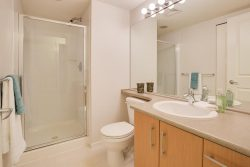205-300 Klahanie Drive, Port Moody - Bathroom