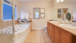 508 April Road, Port Moody - Ensuite