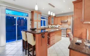 508 April Road, Port Moody - Kitchen3