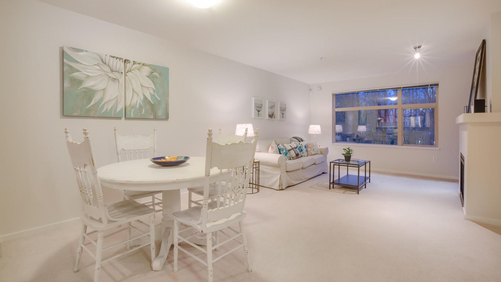 205-300 Klahanie Drive, Port Moody - Dining/Living