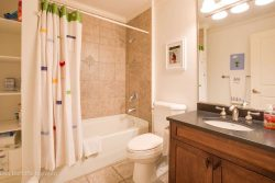 35 Birch Wynde, Anmore - Bathroom 2