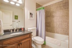 35 Birch Wynde, Anmore - Bathroom 3