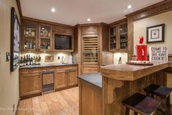 35 Birch Wynde, Anmore - Wet Bar